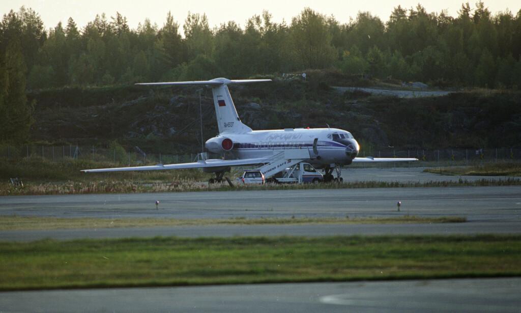 Det kaprede flyet, en Tupolev TU134, ble tvunget til å lande på Gardermoen i Norge, etter mellomlanding i Kiev. Foto: Aleksander Nordahl / NTB SCANPIX