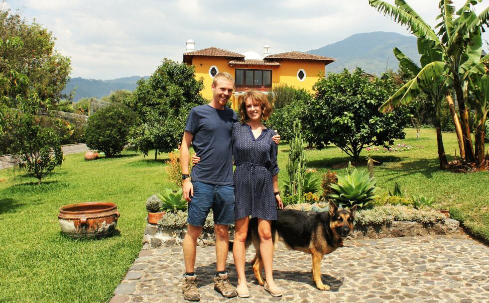 PASSER HUS OG DYR: Luke og Charlie har de siste årene tatt på seg 12 oppdrag som huspassere, flere av dem i Mellom-Amerika. FOTO: Privat