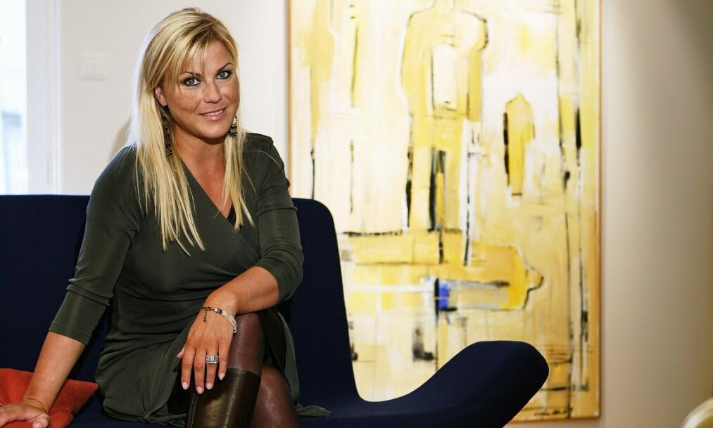 <strong>KJENT ARTIST:</strong> Josefin Nilsson gjorde suksess i Sverige på nittitallet med bandet Ainbusk. Men på samme tid opplevde hun både fysisk og psykisk mishandling fra sin tidligere kjæreste, en svensk skuespiller, hevdes det i en ny dokumentar om hennes liv. Foto: NTB scanpix