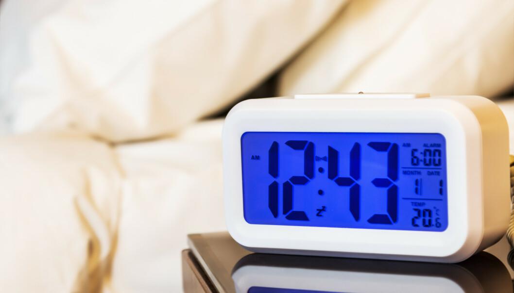 NEIDA: En klokkeradio trenger ikke å ha knallrøde lysende tall som legger soverommet i et bordell-lys, mens den spiller sprakende 80-tallshits med dårlig dekning. FOTO: NTBScanpix