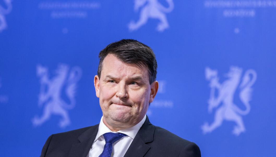 GÅR AV: Tor Mikkel Wara går av som justisminister. Det opplyste statsminister Erna Solberg på en pressekonferanse torsdag ettermiddag. Foto: Gorm Kallestad / NTB scanpix.