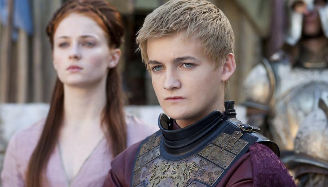 BARBARISK: I begynnelsen forestilte Sophie Turner at kong Joffrey (spilt av Jack Gleeson), som Sansa Stark var svært forelsket i, var popstjernen Justin Bieber. FOTO: HBO