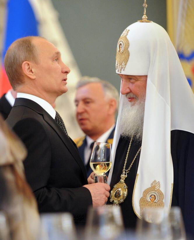 MENINGSFELLER: Vladimir Putin og patriark Kirill har begge uttalt at de synes det er problematisk å «flashe» rikdom. Foto: NTB scanpix