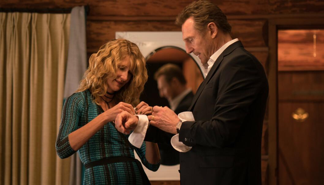 <strong>PÅ HEVNTOKT:</strong> Det var i forbindelse med presselanseringa for filmen «Cold Pursuit» at Liam Neeson fortalte om den brutale reaksjonen. Her sammen med kollega Laura Dern. Foto: NTB Scanpix
