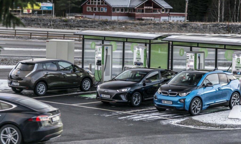 VEKST: Antallet elbiler i landet er stadig økende. Foto: Jamieson Pothecary