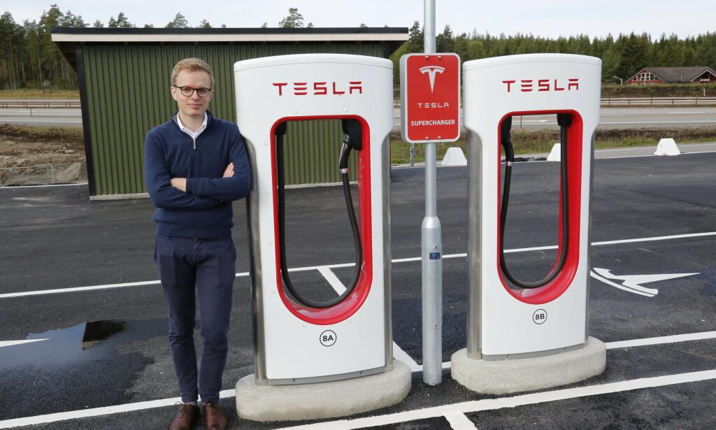 - SÅ HYGGELIG!: Det sier kommunikasjonssjef Even Sandvold Roland i Tesla Norge om rekorden. Foto: Henrik Skolt / NTB scanpix