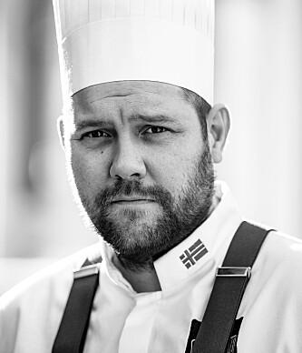 SØLVVINNER: Christopher Davidsen fikk sølv i Bocuse d'Or i 2017, og leder hotellets fine dining-restaurant i Speilsalen. Foto: William Lee-Wright