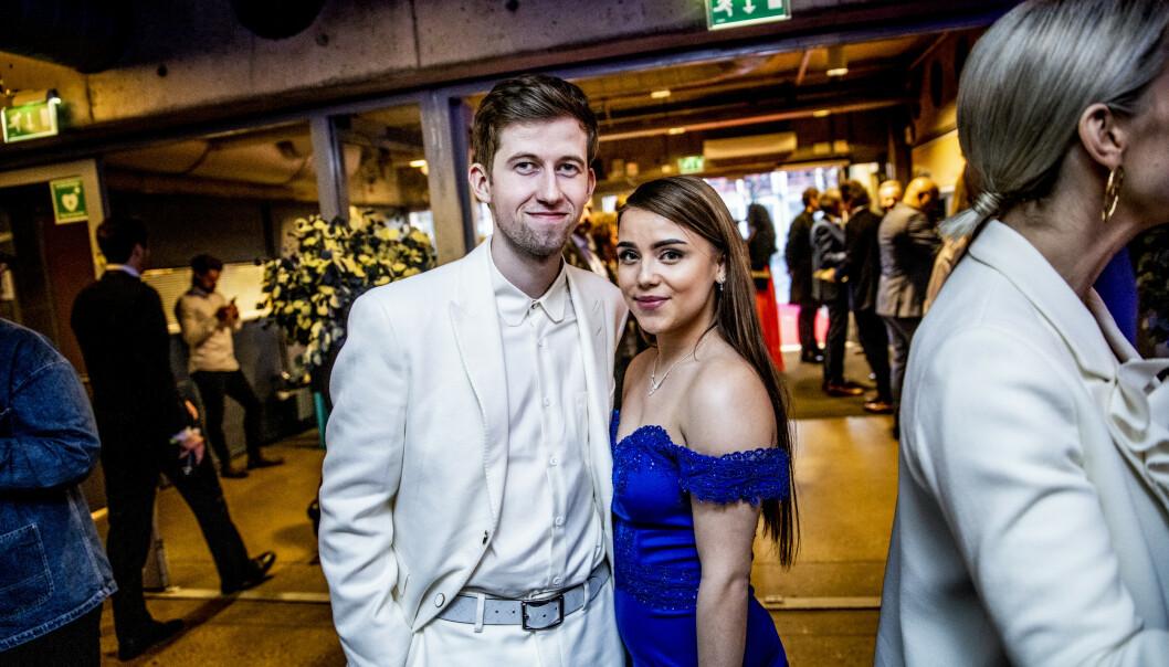 <strong>KOM MED KJÆRESTEN:</strong> Artist Alan Walker kom med sin finske kjæreste Viivi lørdag kveld. Foto: Christian Roth Christensen/ Dagbladet