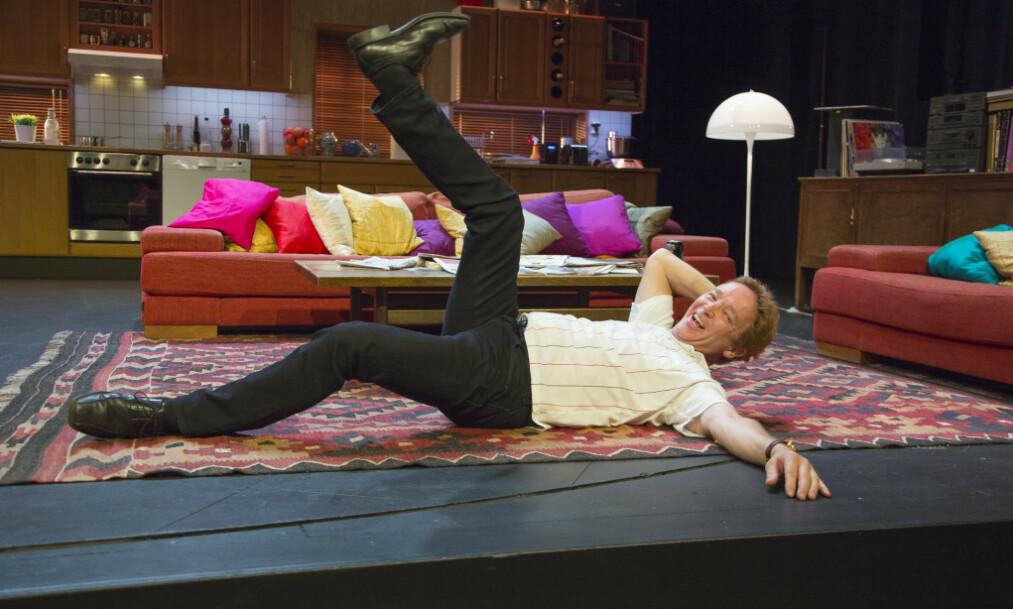 DØD: Skuespiller Morten Røhrt er død. Her fra forestillingen «Verde» på Centralteateet. Foto: Tore Skaar
