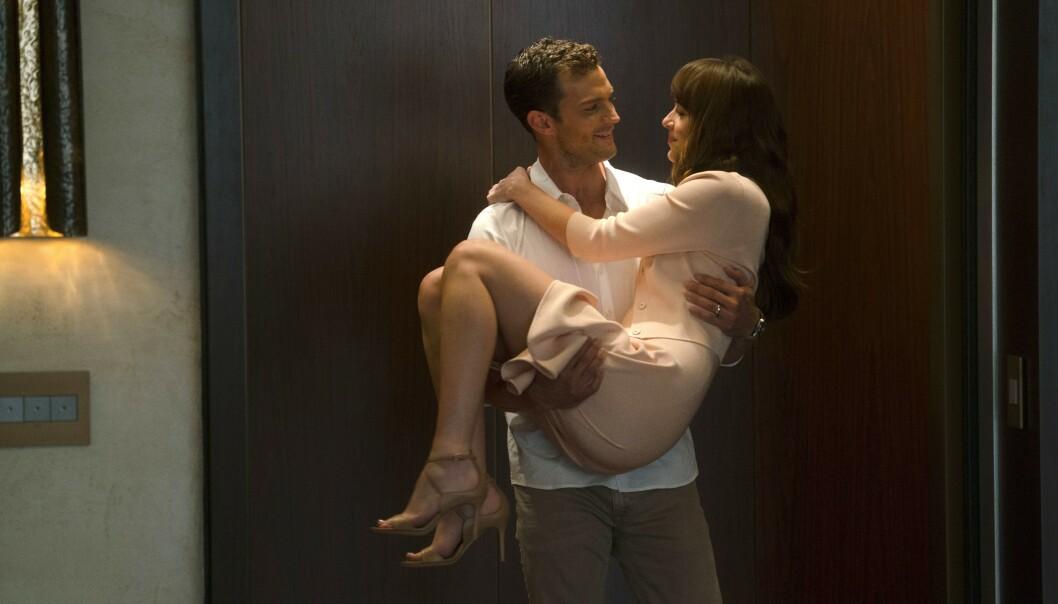 FILMSTJERNE: «Fifty Shades»-filmene har gjort både Jamie Dornan og Dakota Johnson til superstjerner. Foto: Universal Pictures/ NTB scanpix