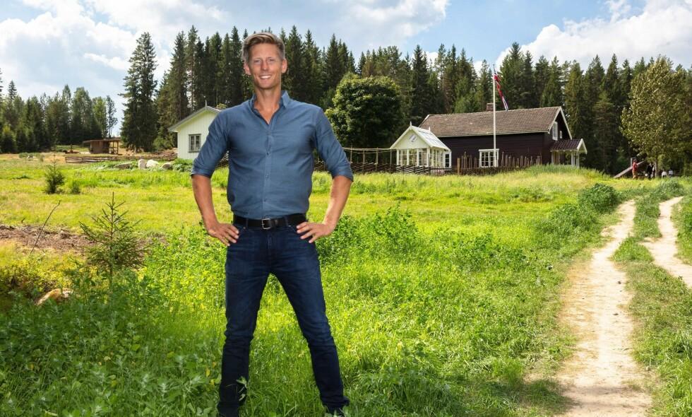 DEN NYE GÅRDEN: I fjor ble Gjedtjernet gård i Grue kommune brukt for første gang i forbindelse med «Farmen». Nå skal også «Farmen kjendis» spilles inn der. Foto: TV 2 / Alex Iversen