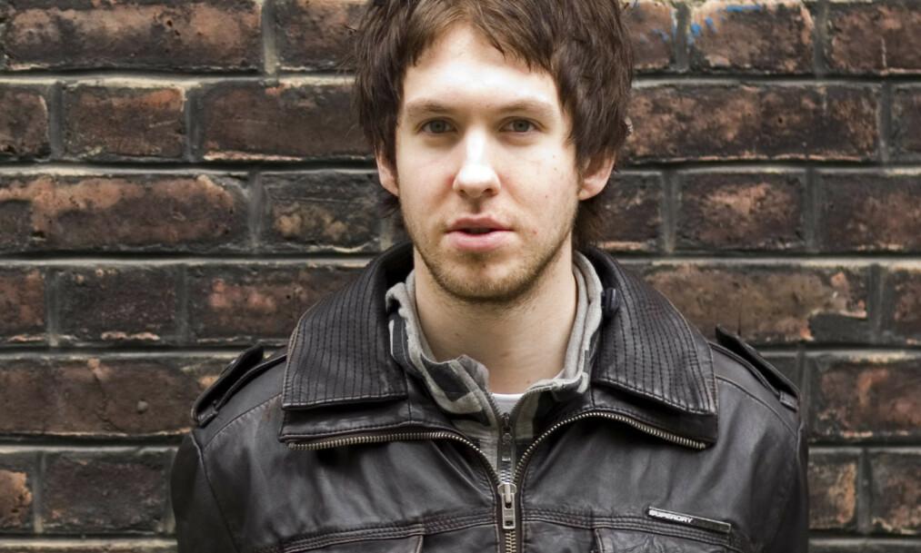 <strong>FORANDRING:</strong> Den skotske artisten så slik ut i 2007, like etter at han debuterte med sitt første album. På nyere bilder er det vanskelig å skjønne at DJen vi ser på dette bildet er samme mann. Foto: NTB scanpix