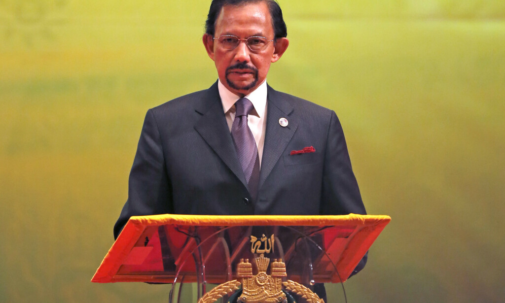 Bruneis Sultan Hassanal Bolkiah innfører sharialover. Foto: AP Photo/Vincent Thian/NTB scanpix
