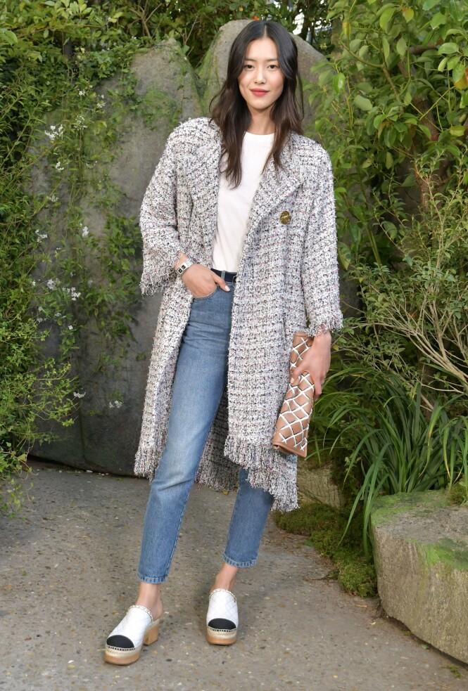 ENKEL: Ønsker du kombinasjonen av Chanel og tresko (om det finnes)? Da er nok dette det nærmeste du kommer. Foto: Scanpix