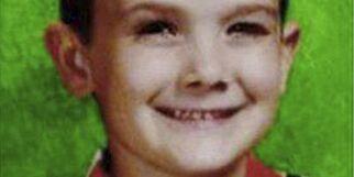image: Timmothy (6) forsvant da mora begikk selvmord i 2011. Nå kan han være funnet i live