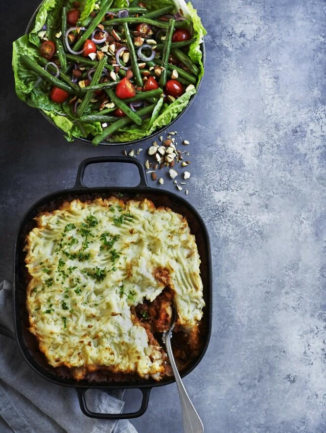 SHEPHERD´S PIE UTEN KJØTT: Den engelske pie-en lages tradisjonelt med okse eller lam, men her gir grønne linser og rotfrukter smak og fylde. FOTO: Betina Hastoft