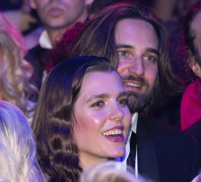 FORELSKET: Det er ingen tvil om at Charlotte Casiraghi og forloveden Dimitri Rassam er stormende forelsket. Bryllupet er satt til juni 2019. FOTO: NTB Scanpix