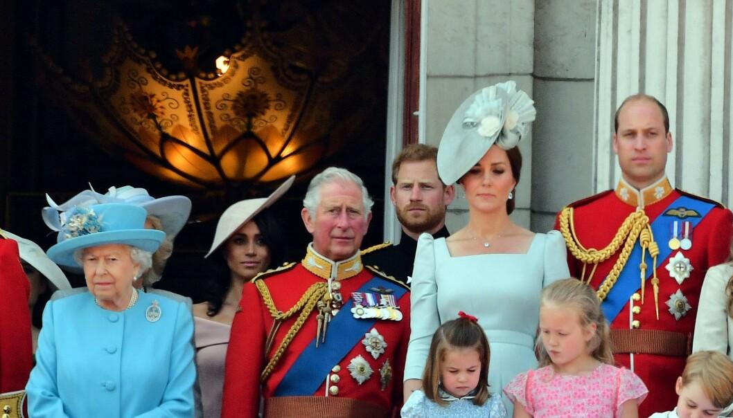 SMYKKEKRIG: Dronning Elizabeths nye avgjørelse skal være lite populær innad i kongefamilien. Foto: NTB Scanpix