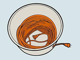 <strong>Trommel:</strong> En gammel bøtte gjør jobben som en kabeltrommel. Illustrasjon: Øivind Lie-Jacobsen