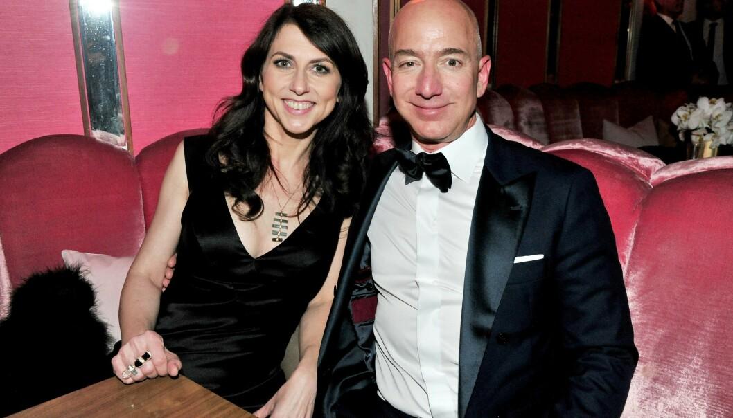 25 ÅR: Jeff og MacKenzie Bezos har fire barn sammen. I januar annonserte de at de skulle gå hver til sitt etter 25 år som mann og kone. Foto: NTB Scanpix