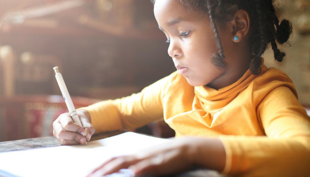 BETALER FOR AT BARNA SKAL LYKKES: Mange foreldre velger å kjøpe leksehjelp og ekstra undervisning. FOTO: NTB Scanpix