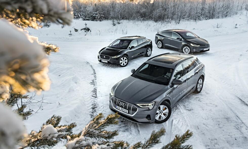 TRE TØFFINGER: Audi e-tron (foran), Jaguar i-Pace (t.v) og Tesla Model X utgjør de tre kongene blant tungvekterne på elbilmarkedet. Vi har testet dem mot hverandre, og har valgt vår favoritt i dette premiumsjiktet. Alle foto: Jamieson Pothecary