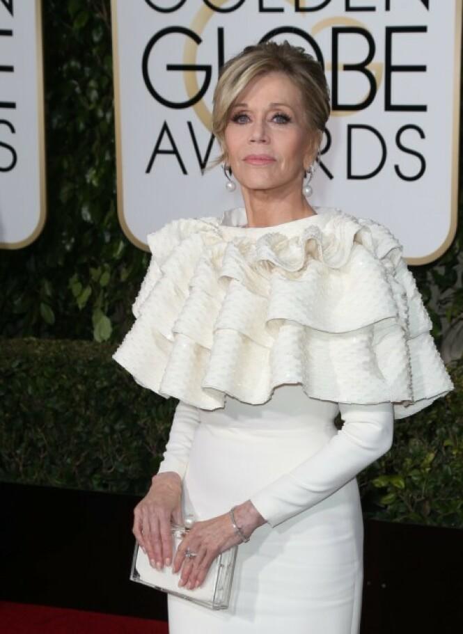 <strong>HEMMELIG DETALJ:</strong> Under rysjene på kjolen til Jane Fonda skjulte det seg bandasjer etter en mastektomi. Foto: NTB scanpix