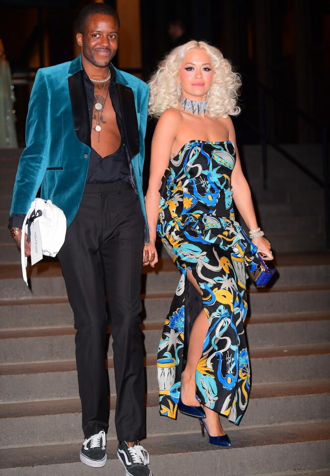 NORGESAKTUELL: Rita Ora kommer til Oslo senere denne måneden. Her sammen med Vas J Morgan lørdag kveld. Foto: NTB Scanpix