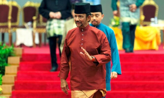 SULTAN: Sultan Hassanal Bolkiah og familien hans lever et liv i overdådig luksus i Brunei. Foto: NTB Scanpix