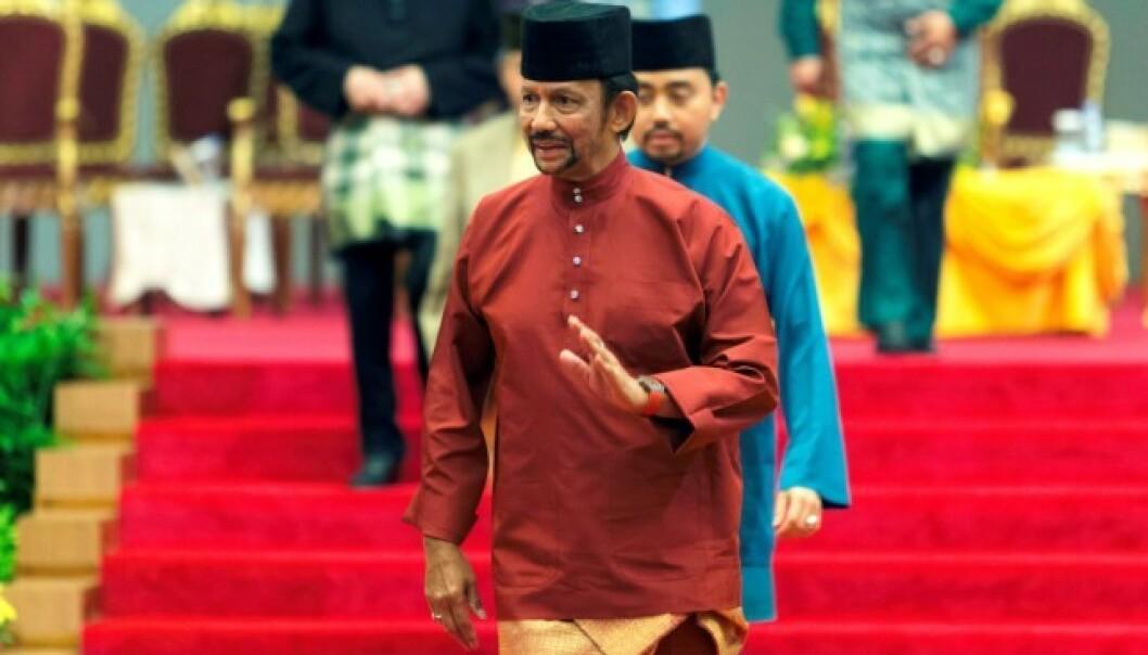 SULTAN: Sultan Hassanal Bolkiah og familien hans lever liv i overdådig luksus i Brunei. Foto: NTB Scanpix