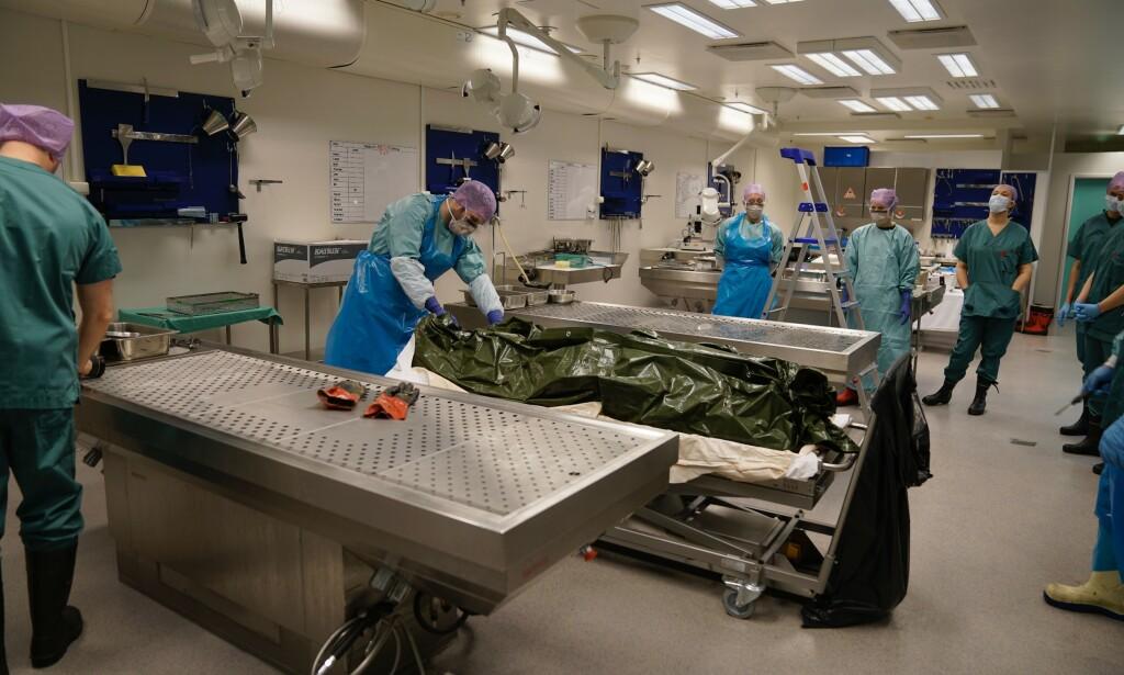 OBDUSERES: Liket ble i dag obdusert av rettsmedisinere ved Troms politidistrikt. Foto: Øistein Norum Monsen