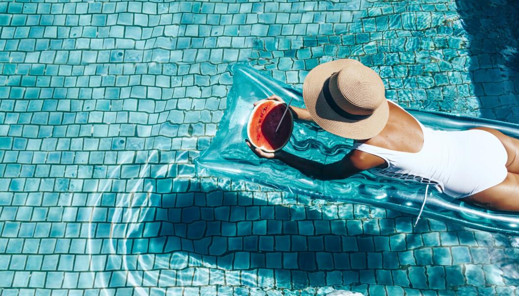 SOLKREM: Husk å beskytte huden din - selv når du ikke er på en solfylt ferie! Foto: Scanpix