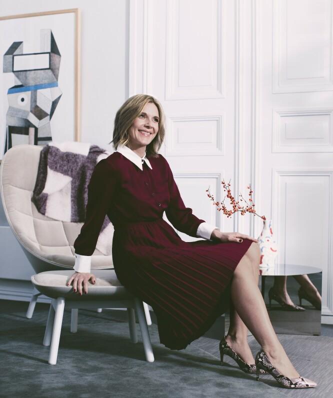 ANIKKEN HAR PÅ SEG: Kjole (kr 600) og pumps (kr 400, begge fra Zara). FOTO: Astrid Waller