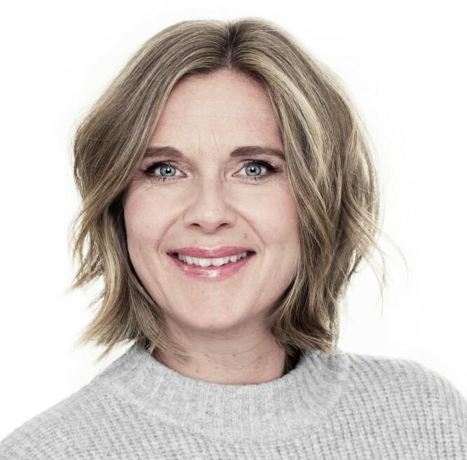 FIKK LYSE STRIPER: - De lyse stripene vi la inn, gir hold til håret, og farger med spill er også en viktig del av motebildet nå, sier frisør Sandra Jensen Kåsereff.