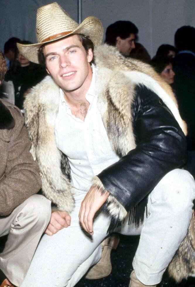 FULL FART OPPOVER. Jon-Erik Hexum under Night of the Stars i 1983. Et år senere var han død. FOTO: NTB Scanpix