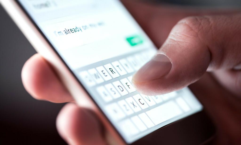 I EU skal ikke en samtale skal koste mer enn cirka 1 krone og 90 øre per minutt og maksimalt 60 øre for hver SMS til andre EU-land. (Foto: NTB scanpix).