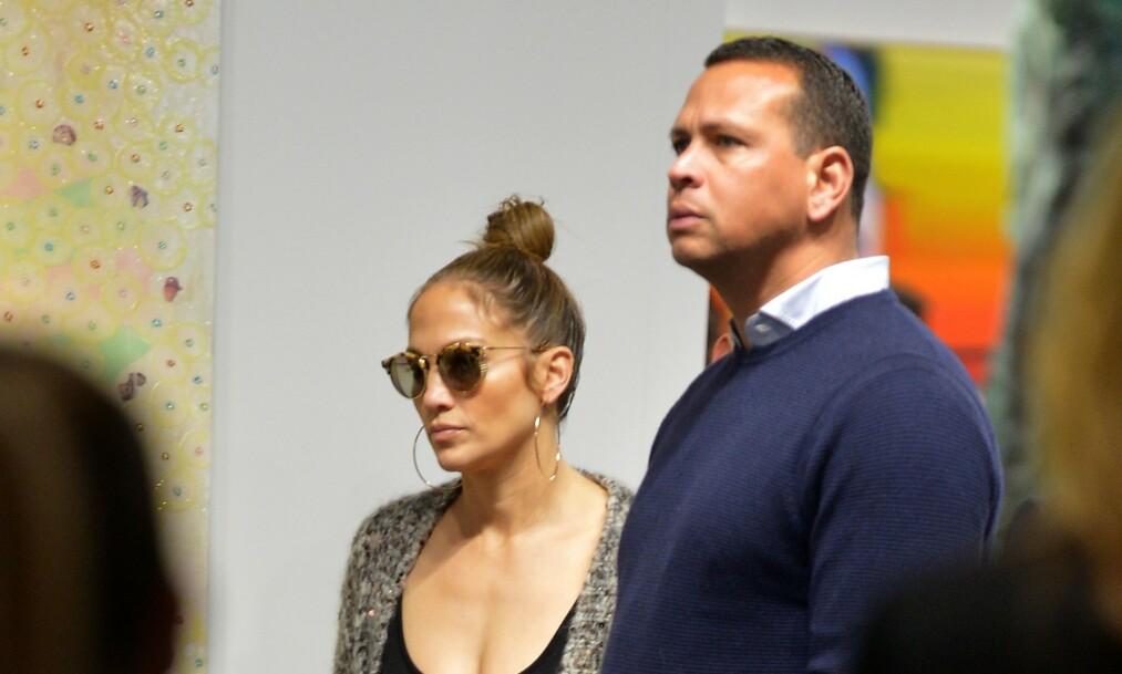 SNAKKER UT: Jennifer Lopez bryter tausheten om de drøye utroskapsanklagene som har svirret rundt forloveden Alex Rodriguez den siste tiden. Foto: JLN Photography/ REX/ NTB scanpix