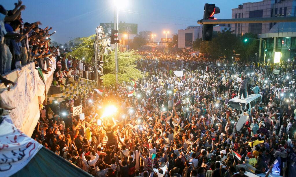image: Snapchat-revolusjonen i Sudan: - Regimet har falt