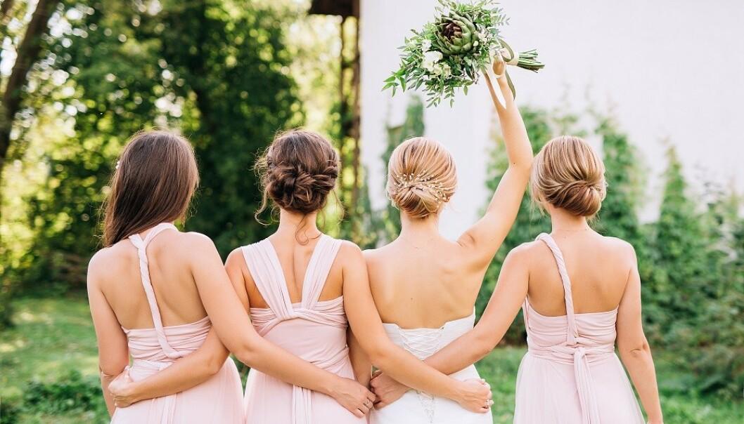BRUDEPIKER: Også norske bruder velger å bruke venninnegjengen som brudepiker. FOTO: NTB Scanpix
