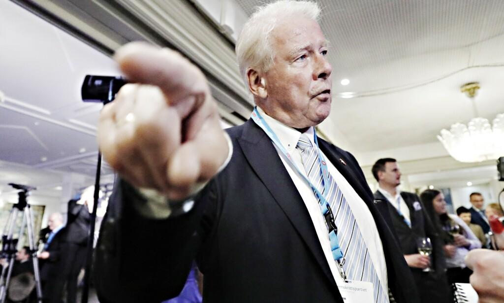 BRANNFAKKEL: - Hvis bompengepartiet får 25 prosent ved lokalvalget til høsten, må Høyre og Ap inngå byrådssamarbeid for å sikre stabilitet, mener tidligere Frp-leder Carl I. Hagen. Foto: Bjørn Langsem