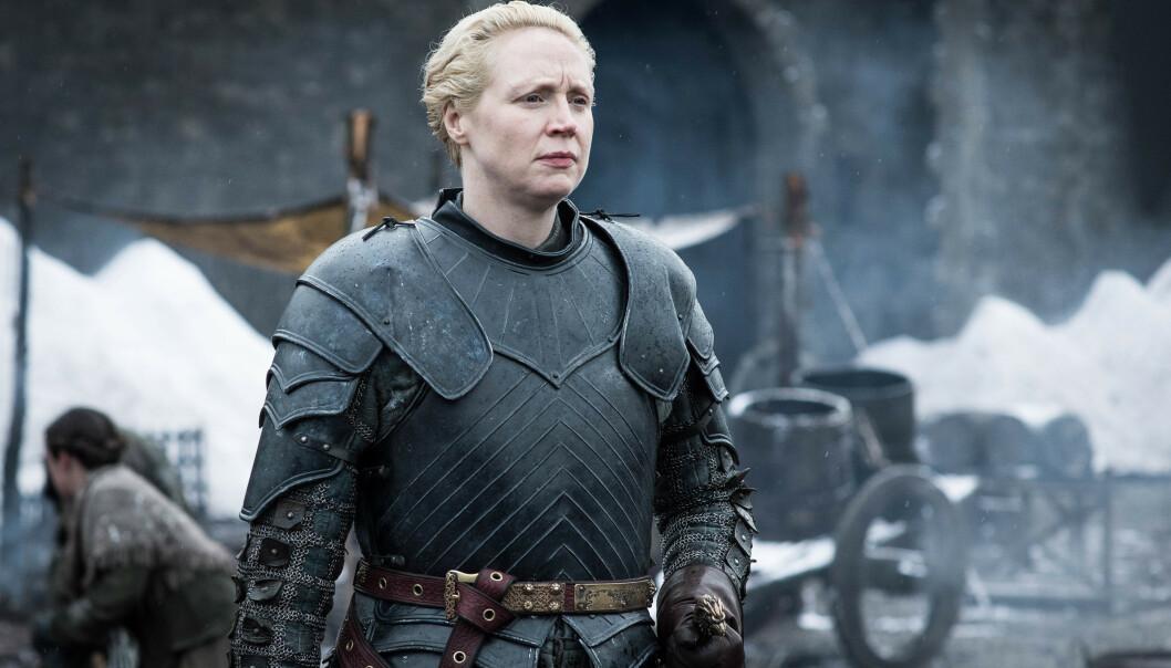 <strong>BRIENNE OF TARTH:</strong> Også en av mine favorittkarakterer. Jeg elsker hennes ekstreme omsorg og beskyttelsestrang, og at hun alltid står opp for seg selv - når hun blir møtt med fordommer fordi hun ikke er helt A4. Brienne of Tarth spilles av Gwendoline Christie. FOTO: HBO