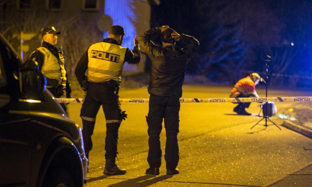 DØDSULYKKE: To personer ble fredag kveld påkjørt i Lahelleveien i Sandefjord. Nå erkjenner mannen straffskyld. Foto: Trond Reidar Teigen / NTB scanpix