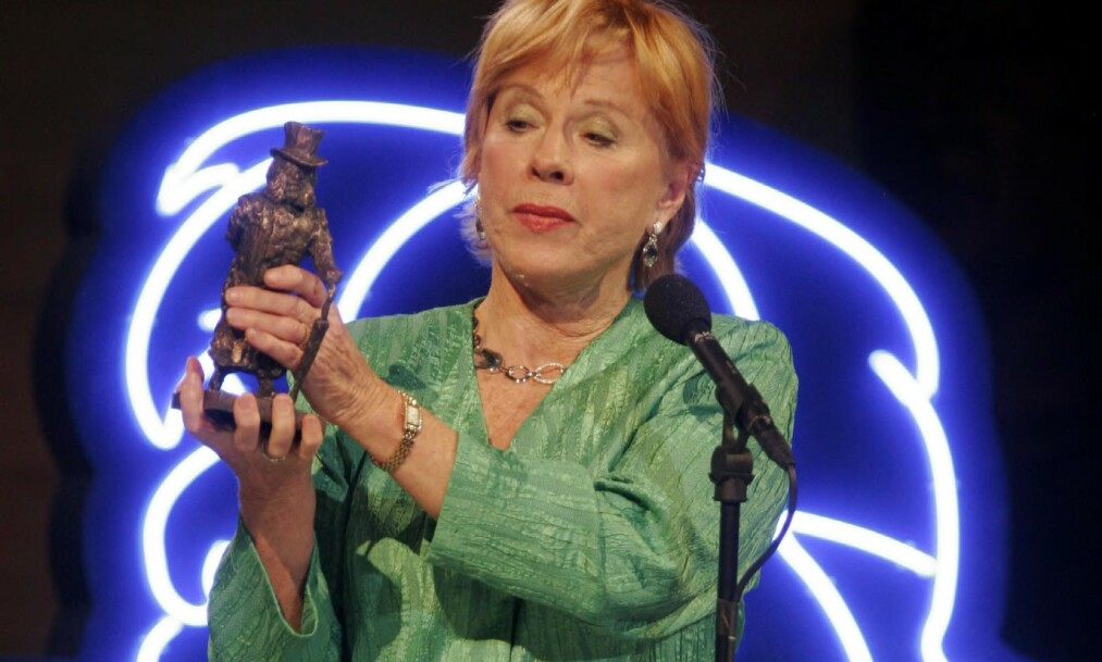 I 2006 ble Bibi Andersson tildelt prisen Ibsen Centennial Award i Oslo Rådhus. Foto: Jarl Fr. Erichsen / NTB scanpix