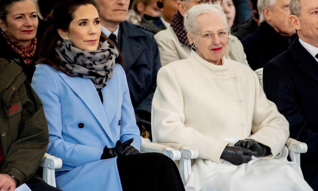 FÅR IKKE BESØK: Dronning Margrethe hadde invitert president Donald Trump til Danmark, men han lar vente på seg. Det synes dronningen er overraskende. Her på kronprinsesse Mary. Foto: NTB scanpix