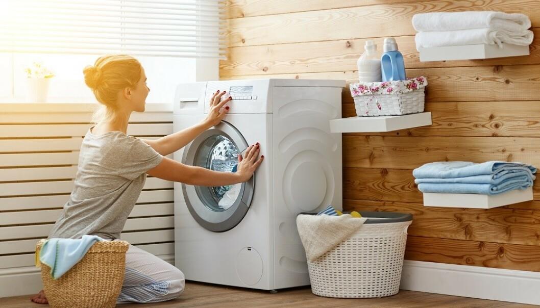 VASKER MYE KLÆR: Vasker du klærne litt mer enn du egentlig trenger? FOTO: NTB Scanpix
