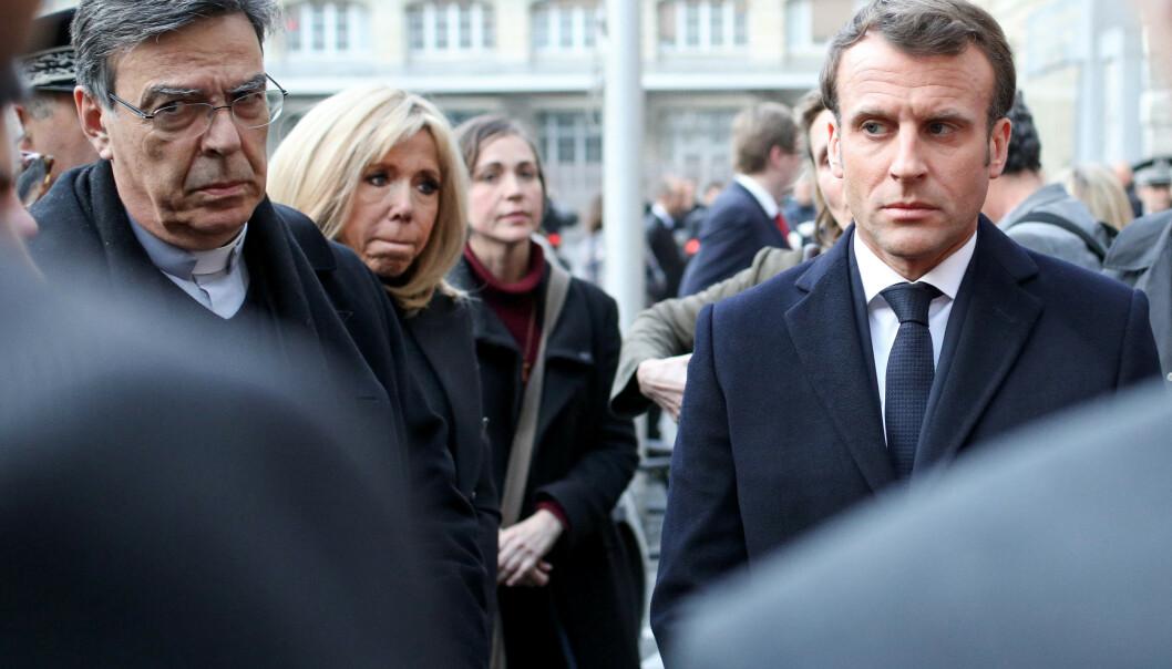 Emmanuel Macron lover at Notre-Dame skal gjenreises i løpet av fem år. Foto: Stephane Lemouton/pool/ABACAPRESS.COM / NTB scanpix