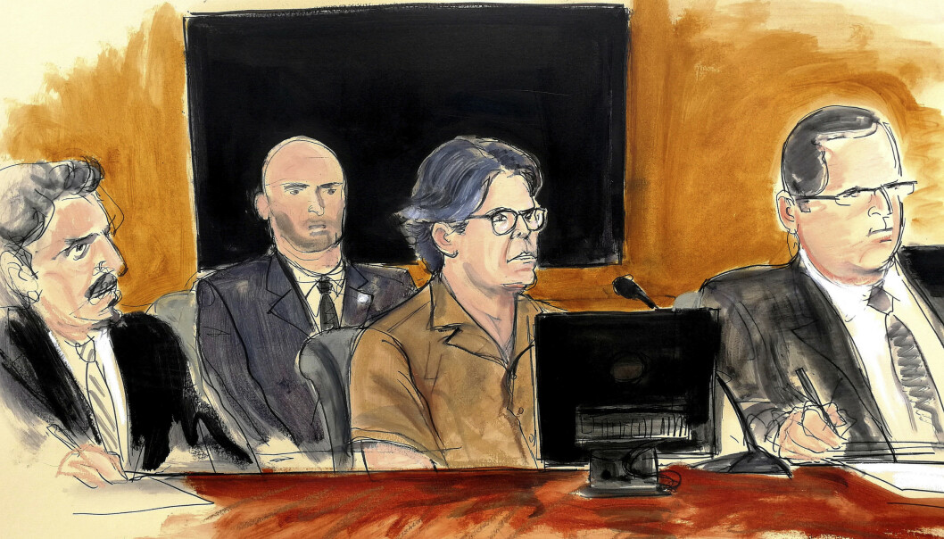 <strong>GRUNNLEGGER:</strong> Keith Raniere vil få sin dom senere denne måneden. Her tegnet under en høring i 2018, der han erklærte seg ikke skyldig. Foto: AP / NTB Scanpix
