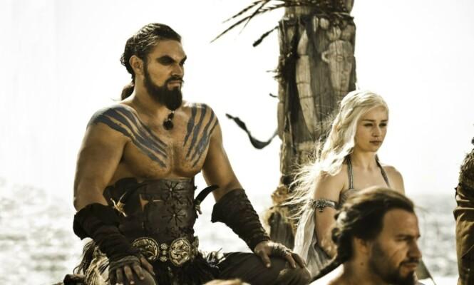 SUKSESS: Jason Momoa spilte Khal Drogo, ektemannen til Emilia Clarkes rollefigur i «Game of Thrones». Foto: HBO