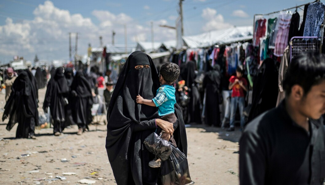 IS-kvinner «terroriserer» ugudelige i flyktningleir
