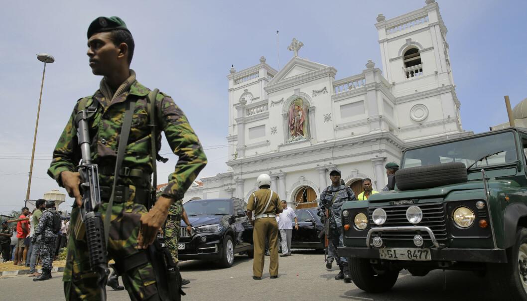 Antall drepte i terrorangrepene på Sri Lanka har steget over natten. Foto: AP Photo/Eranga Jayawardena